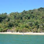 Parada do passeio de escuna pela Baía de Paraty