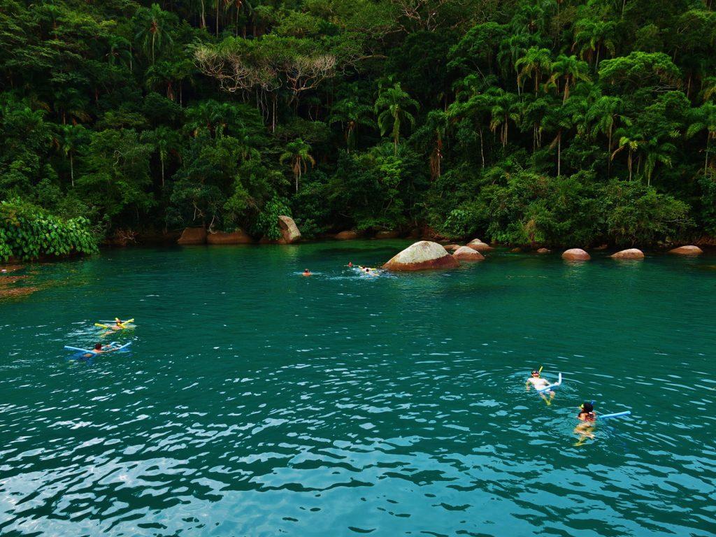 Lagoa Azul - Parada de Passeio de barco em Paraty com as Escunas Estrela da Manhã