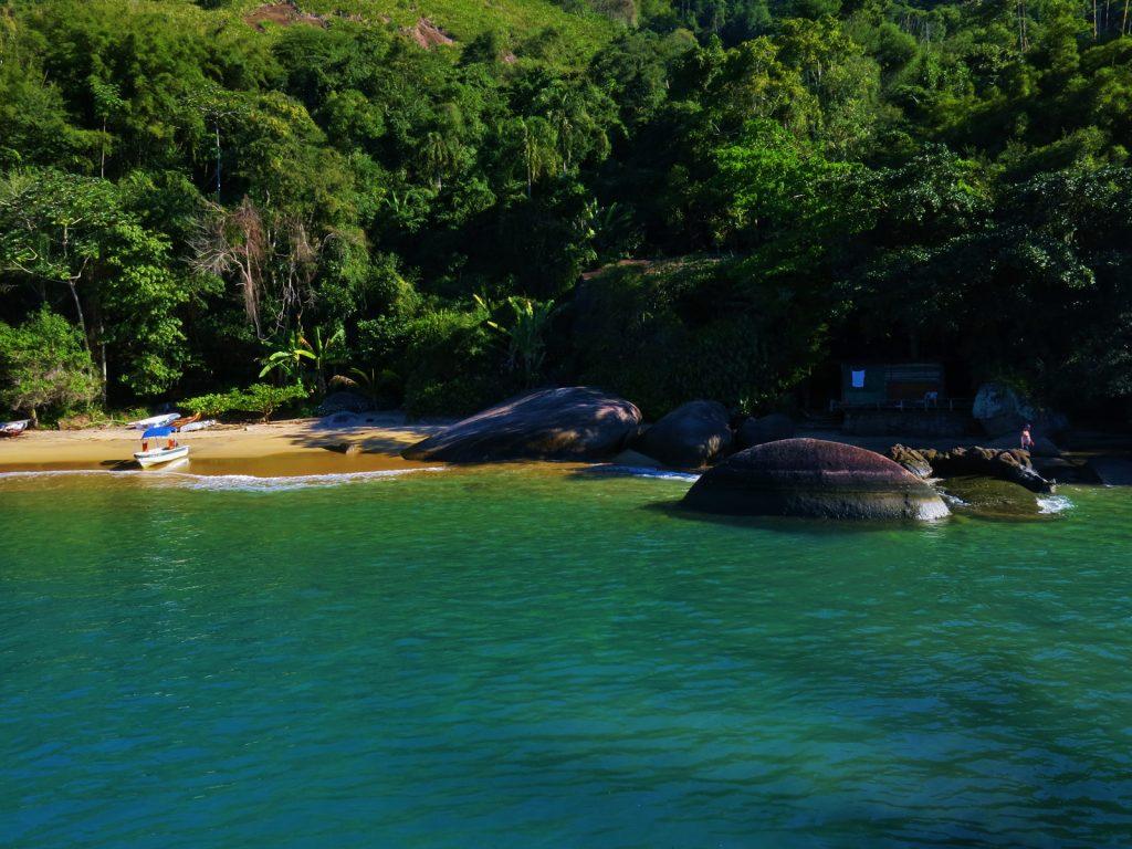 Saco da Velha - Parada de Passeio de barco em Paraty com as Escunas Estrela da Manhã